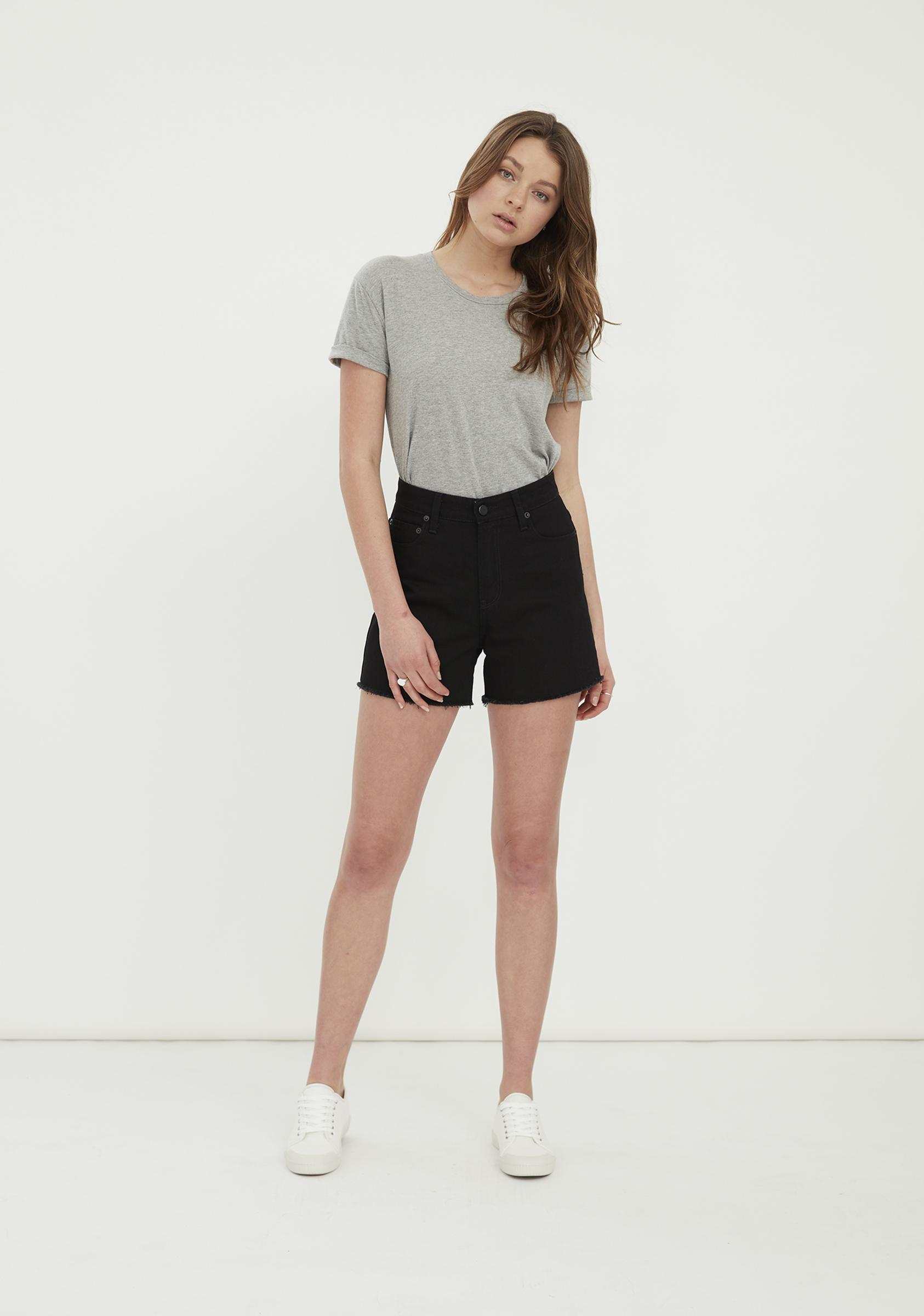 LUCY Short – Black