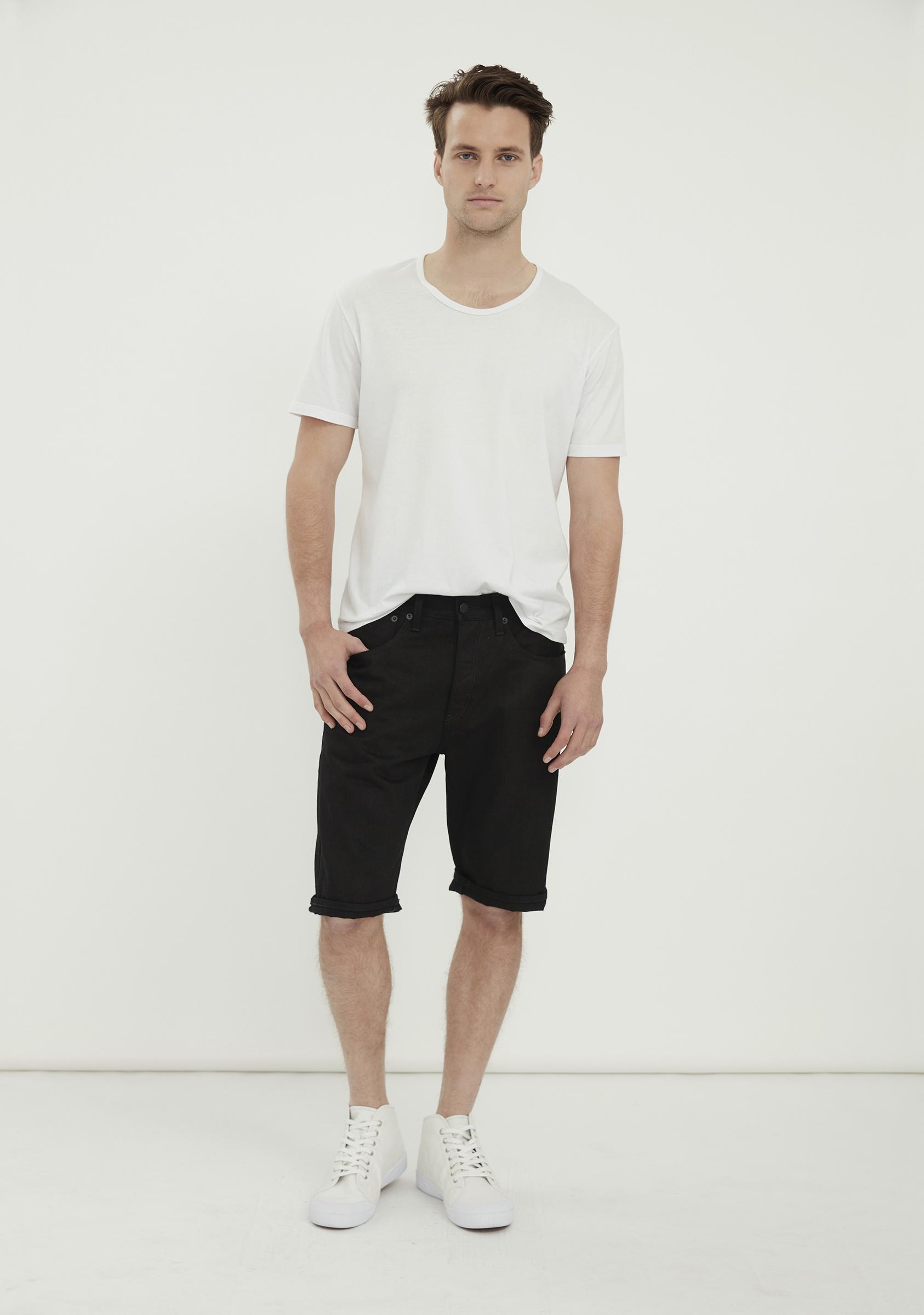 OLIVER Short – Black